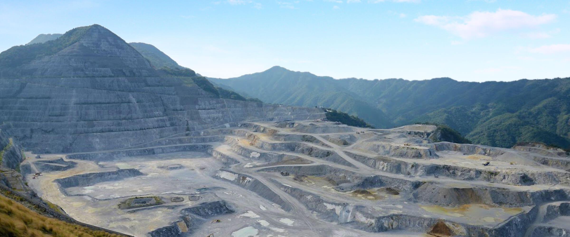 津久見の石灰岩鉱山